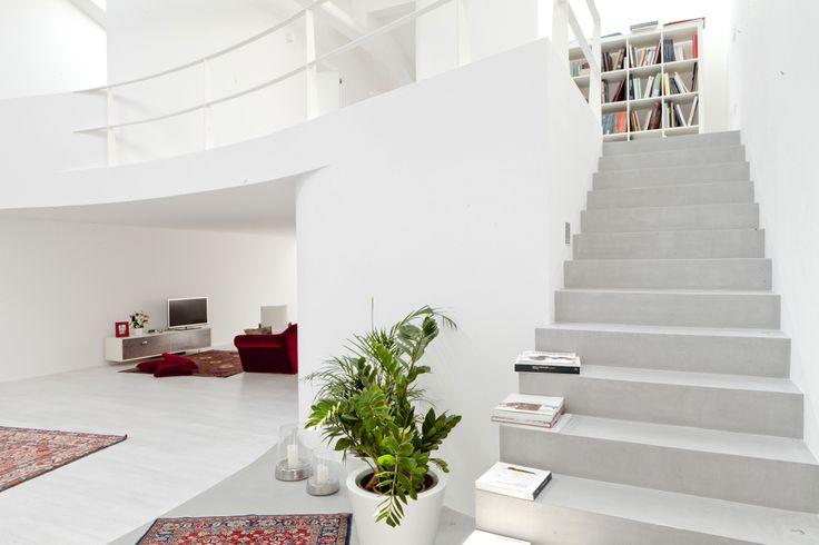 #Microtopping - razionalismo organico per la riprogettazione di un #Loft #interiordesign #innovativesurfaces #concrete #rivestimenti #stylish #home