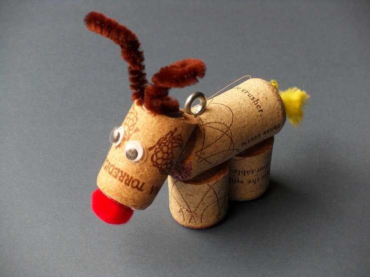 Reindeer Christmas tree ornament upcycled wine cork crafts for holiday decoration. $5.00, via Etsy.