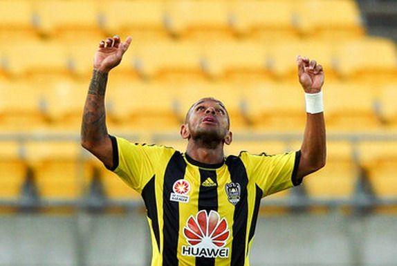 Thumping Golazo! Kenny Cunningham (Wellington Phoenix) vs Melbourne Victory