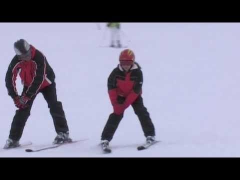 Škola lyžování s Petrem 4. díl - Oblouky v pluhu - YouTube