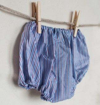 Bloomers in blue  ... Can make one happy :-)