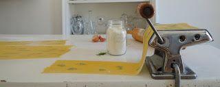 Il topicco: Pasta fresca fatta in casa con foglie di prezzemolo