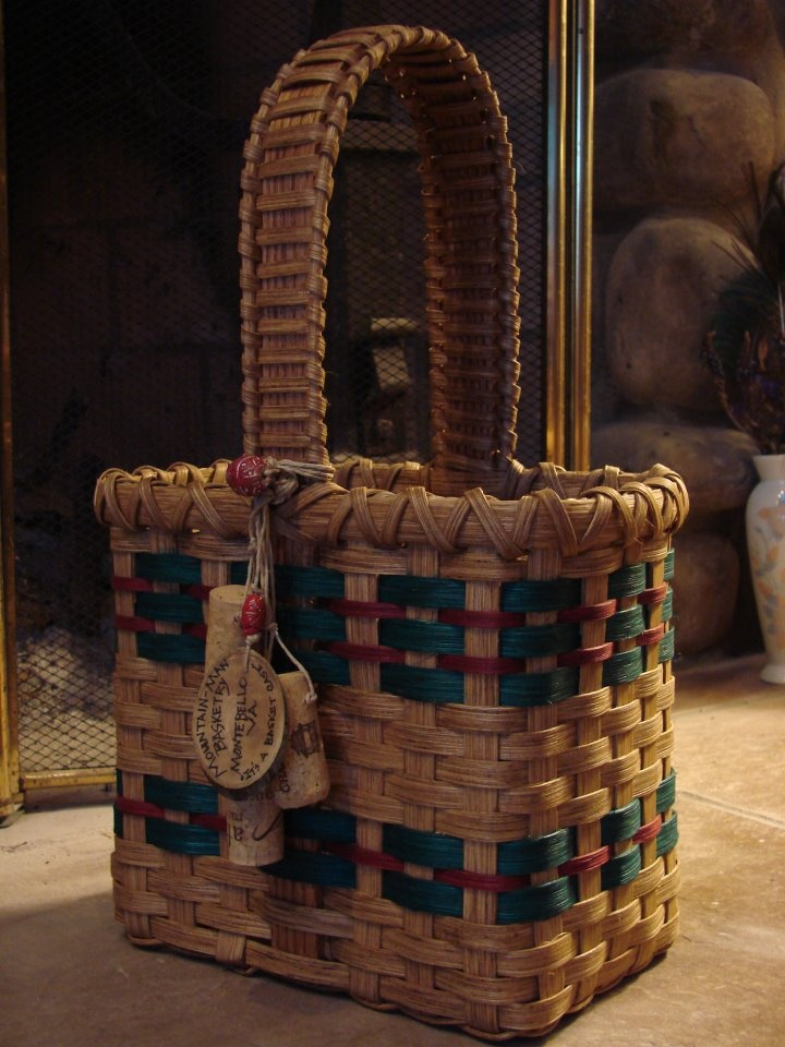 Mountain Man Basketry -- Love the woven handle and the wine cork embellishment