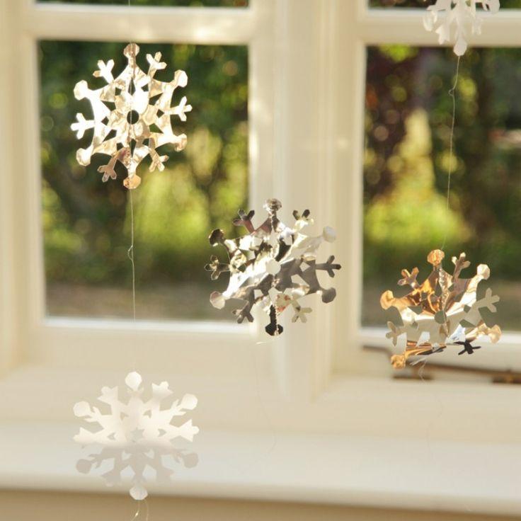Disney Christmas Party Ideas Part - 29: Disneyu0027s Frozen Birthday Party Idea Snowflake String Decorations