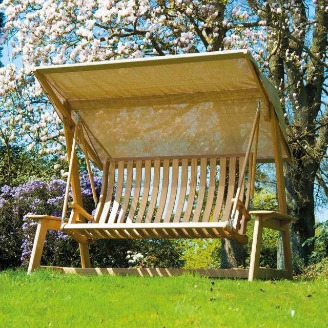 balancelle de jardin en bois clair Roble par Alexander Rose