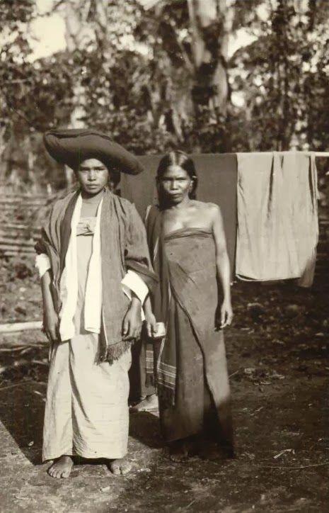 old-indische: Native Batak Girls ~Sumatra ~ Indonesia ~ c1920