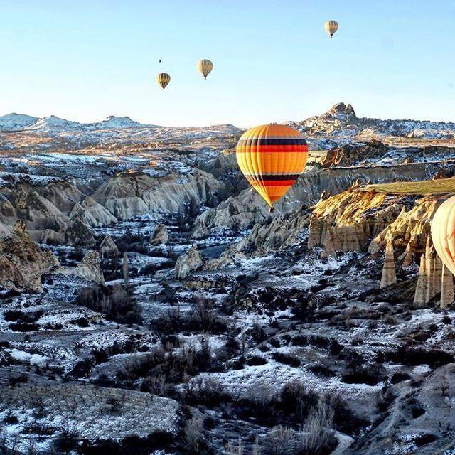 mycappadociatrip 2017/02/18 03:46:10 Cappadocia / Kapadokya 日本は春一番が吹いたと聞きました!カッパドキアはまだまたま冬でーす❄️❄️❄️#写真好きな人と繋がりたい #写真 #トラベル #海外旅行 #旅行#トルコ#カッパドキア#turkey #turkey_reward #instagram #instagood #ig_turkey #cappadocia #travel #travelgram #vsco #vscocam #beautiful #beautifulmorning #beautifuldestination #snow #hotairballoon #sightseeing