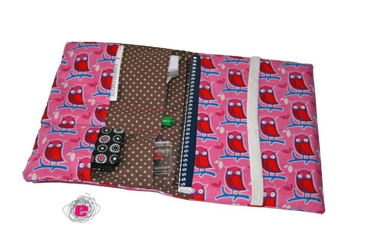 Eine Tasche für alle möglichen Gelegenheiten. Sie eignet sich bestens als Taschenorganizer oder als Dokumentenmappe. Die Größe ist Din A5, so dass man