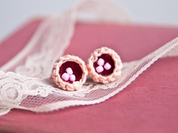 my latest crochet project:)  http://www.etsy.com/listing/89735955/cute-birds-nest-miniature-crochet