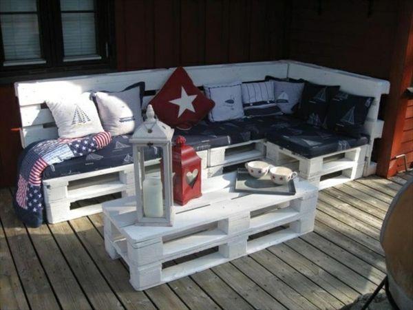 DIY Sofas aus Europaletten - 13 thematische Bastelideen