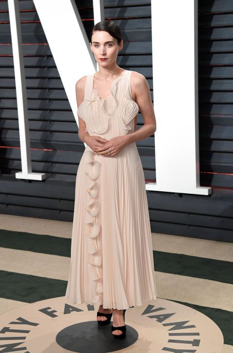 Rooney Mara at the Vanity Fair Oscar Party in a beautiful cream dress.