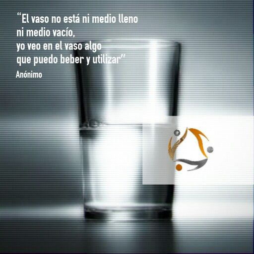 ✨El vaso no está ni medio lleno ni medio vacío, yo veo en el vaso algo que puedo beber y utilizar✨ #Anónimo #LGyLG  #publicidad #motivation #creatividad #love #beautiful #color #startup #constancia #portafolio #frases #hechoamano #life #art #design #portfolio