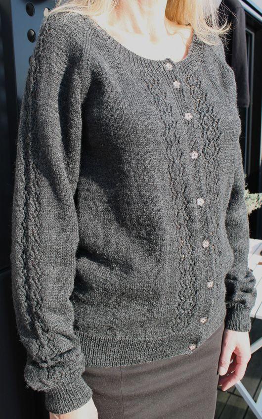 ELLA Cardigan  Size S-XXL Inspiration: 1930-50´s Garn-iture design  www.garn-iture.dk Design : Dorthe Hass 2014