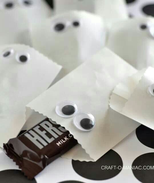 30 best Halloween party ideas images on Pinterest Halloween prop - halloween candy treat ideas