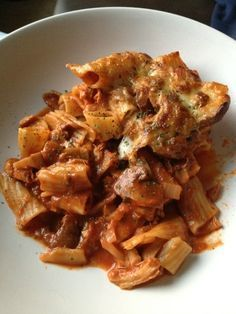 Serves 4, free on extra easy (add 6 syns if not using mozzarella as healthy a choice)   150g cooked chicken  1 onion diced  250g chestnut mu...