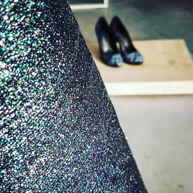REVERSE  Black lambskins with special handmade glitter finishing