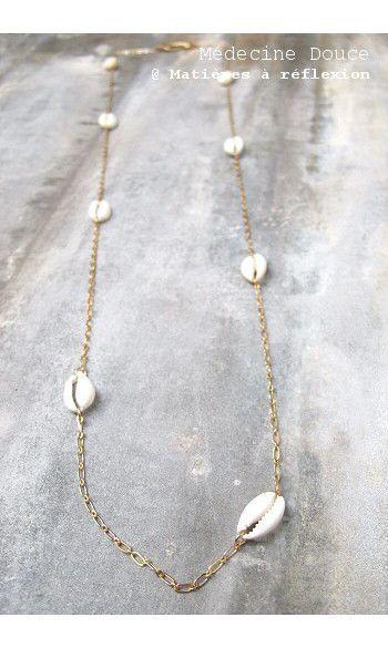 Medecine Douce sautoir Nautile Cauri #collier #necklace #sautoir #cauri #coquillage #gold #dore #jewels #bijoux #medecinedouce
