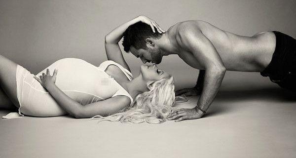 Esce allo scoperto il pancione di Christina Aguilera [FOTO]