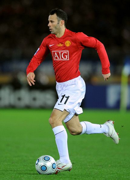 Ryan Giggs Photos Photos - Ryan Giggs of Manchester United in action during the FIFA Club World Cup Japan 2008 Semi Final match between Gamba Osaka and Manchester United  at the International Stadium on December 18, 2008 in Yokohama, Japan.  (Photo by Shaun Botterill/Getty Images) * Local Caption * Ryan Giggs - Gamba Osaka v Manchester United - FIFA Club World Cup 2008