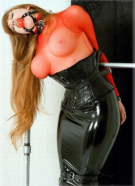 Latex Gefesselt