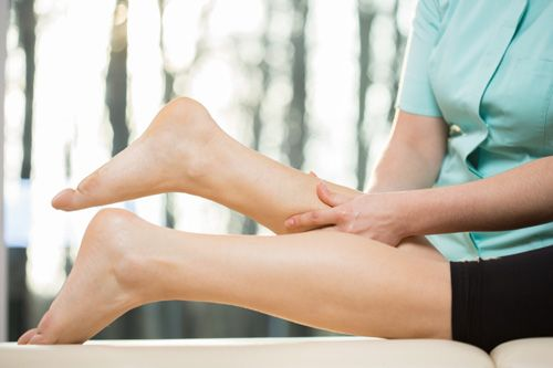 Sore Calf Muscles: Causes, Symptoms and Natural Treatments