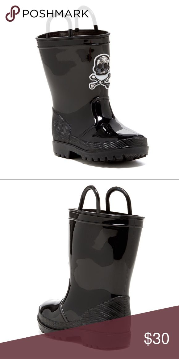 Capelli Skull & Bones Toddler Boys Rain Boot 4/5 New with tags Don't let the rain ruin your day! Step out in style with these Capelli New York rain boots. These fashionable rain boots are made from quality rubber materials to keep feet dry and warm to brighten the soggiest days of the year.  Capelli New York Capelli of New York Shoes Rain & Snow Boots