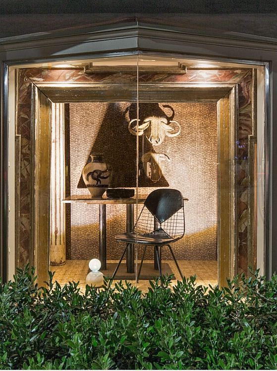 Check out Nate Berkus's LCDQLA Legends window for Lee Stanton at the 2016 Legends event.