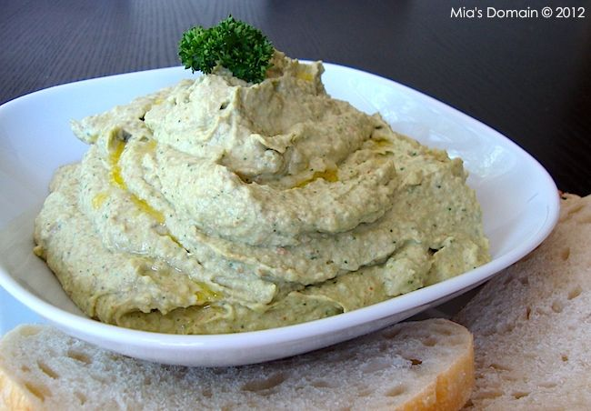Mia's Domain: Avocado Artichoke Hummus