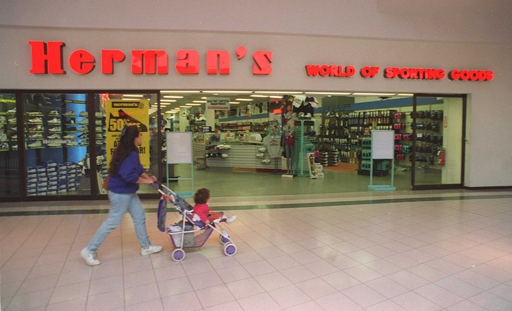 Herman's WOrld of SPorting Goods in the SUnrise Mall Massapequa NY closed in1996.