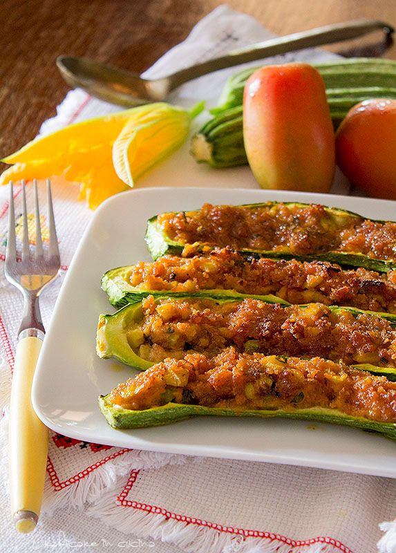 Zucchine ripiene ricetta vegetariana http://blog.giallozafferano.it/graficareincucina/zucchine-ripiene-ricetta-vegetariana/