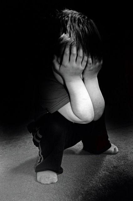 Une vidéo sur le thème du harcèlement scolaire en proposant des solutions de défense aux enfants harcelés. On n'embête pas un enfant qui sait se défendre.