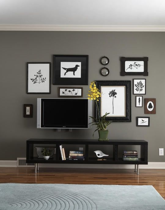 I want this around my TV! gonna work on this but change the colors. Love it!! A lot on my to do list this weekend :)