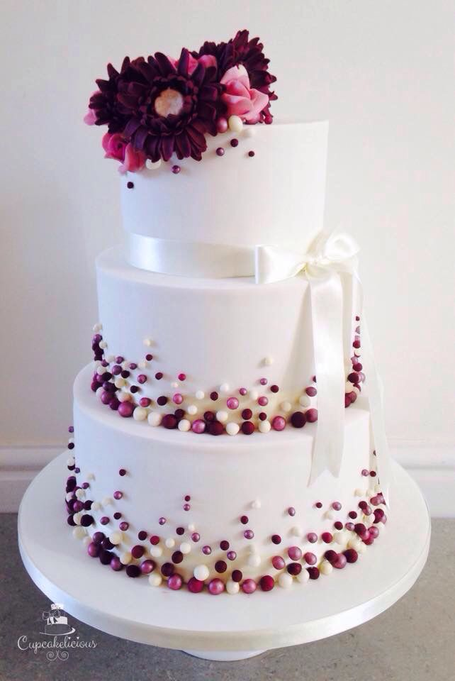 how to ice a wedding cake without marzipan how to decorate wedding cake using fondant icing 15749