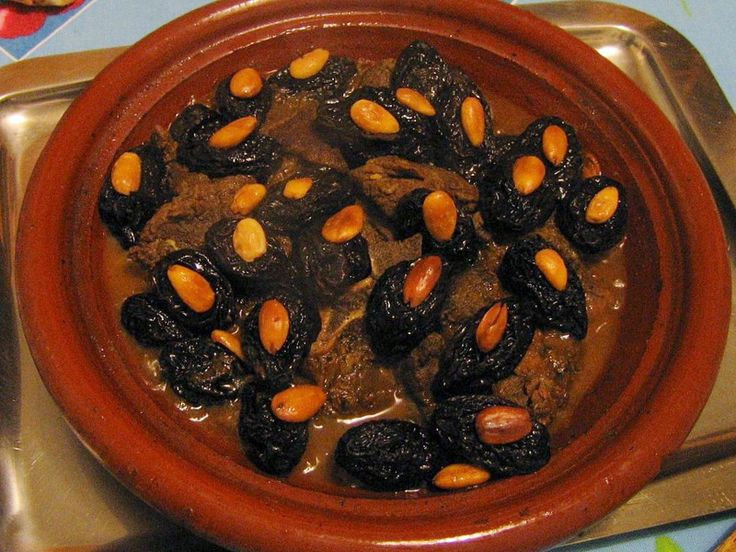 550 best algerian food recipes images on pinterest algerian food lham lahlou arabic for sweet meat is a very popular dish in algerian foodlamb recipescasserolescocotte forumfinder Image collections