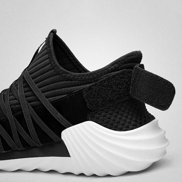 Men Casual Soft Sole Breathable Mesh Sneakers Lightweight Sports Shoes - US$72.07