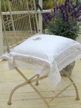 Cuscini per sedie con schienale design casa creativa e for Cuscini per sedie stile shabby