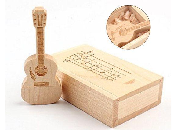 Personalizzato matrimonio acero naturale in legno USB 2.0 Flash Drive Memory Stick, chitarra Stlye, 8GB, 16GB