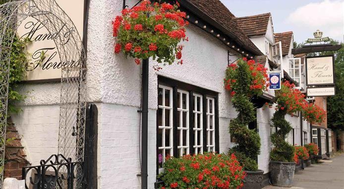 Tom+Kerridge,+Owner+of+England's+Best+Restaurant,+to+Open+Second+Pub+