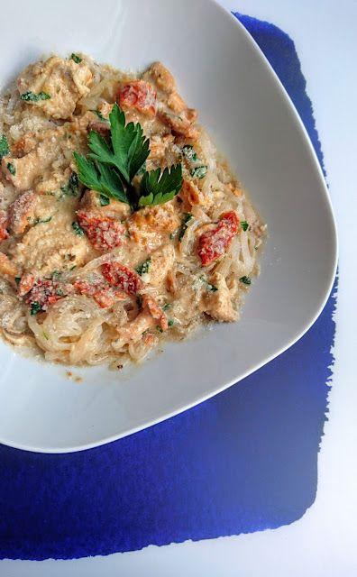 Kuchenne potyczki Alergiczki: Makaron ryżowy z kurczakiem, kurkami i suszonym po...