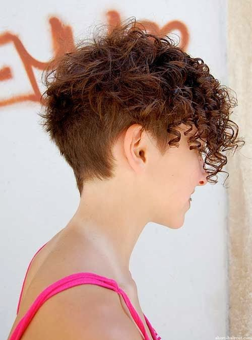 Short curly hair for girls