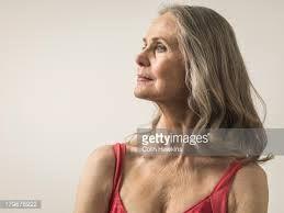vrouwen met lang grijs haar - Google zoeken