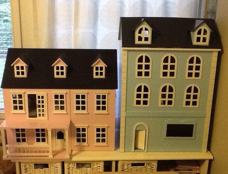1:12 talot     Vaal.pun. on Niinan ja Kevinin Vaal.sininen on Lunan