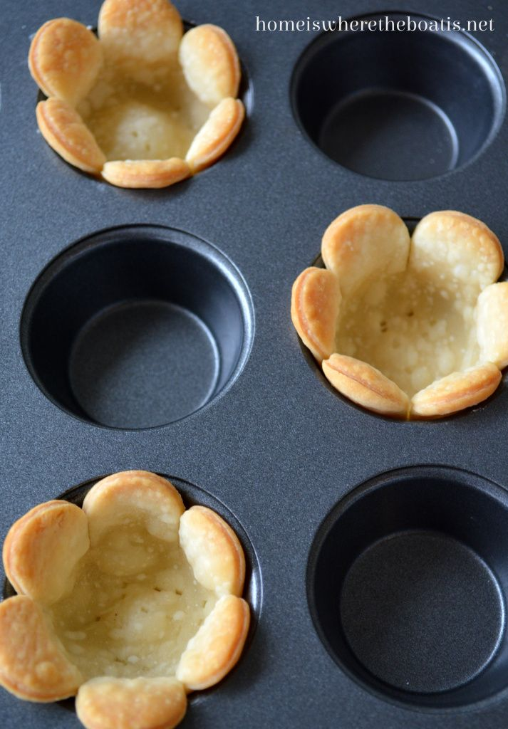 Flower Tartlets, quick and easy to make! | homeiswheretheboatis.net #tea #dessert