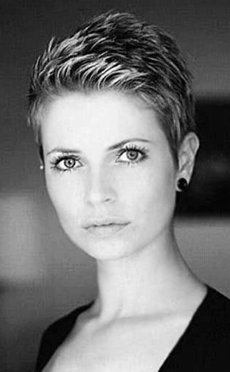 23 Short Trendy Hairstyles 2018 Pixie cuts Coiffures