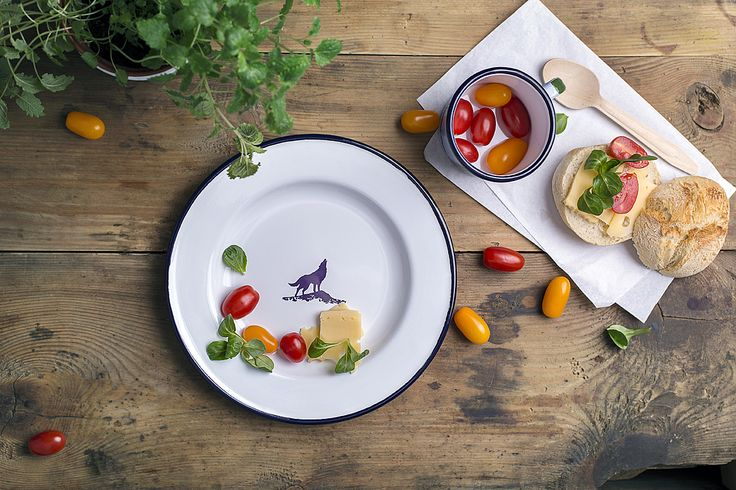 Created by adventurers and dedicated to adventurers!  This is your companion whether on a short easy trip or a hard mountain expedition. It is perfect when you're outside and want to eat something tasty. This enamel plate is resistant to extreme weather conditions. It can be used literally anywhere on Earth from dry deserts, in the high Arctic or deep in the jungle. The top quality enamelware has been hand crafted purely in Poland, based 100% on local raw ingredients and materials.