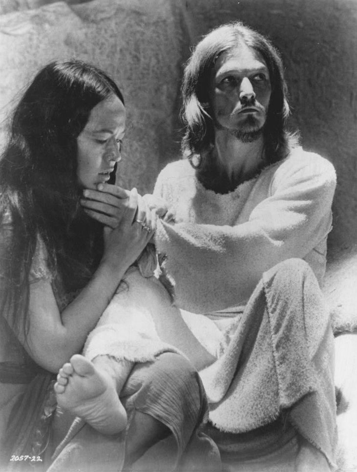 Publicity photo of American entertainers Yvonne Elliman and Ted Neeley promoting their roles in the 1973 feature film Jesus Christ Superstar