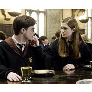 Super cute movie couple: Harry Potter & Ginny Weasley!
