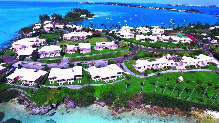The Best of Bermuda travel guide helps visitors get the most from their Bermuda vacation with advice on resorts, dining, golf, nightlife, beaches, and more.