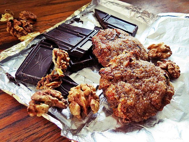 Amarantus, orzechy, czekolada, czyli wegańskie pieguski.