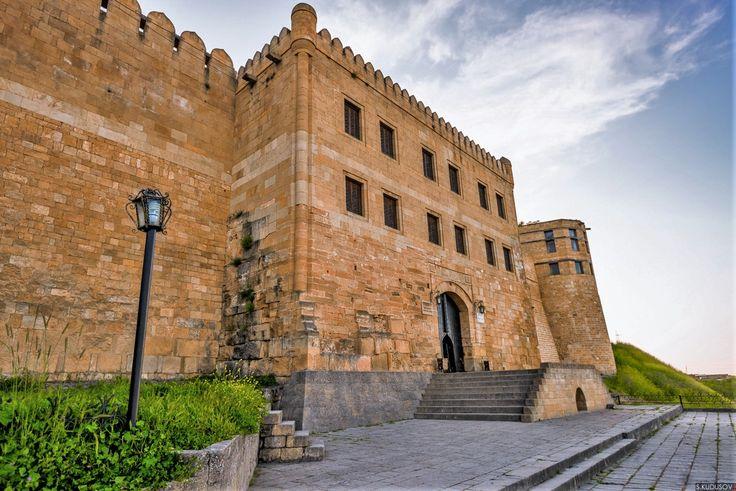 Главный вход в цитадель Нарын-Кала - Дербент — Википедия